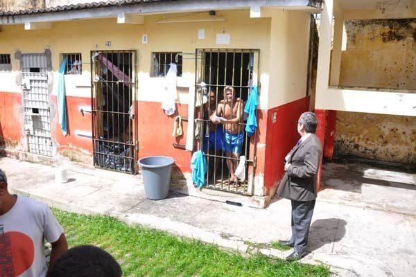 Justiça interdita dois Centros de Detenção Provisória