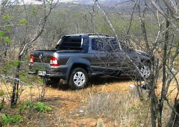 Carro tomado de assalto em Campo Redondo é encontrado próximo a Currais Novos