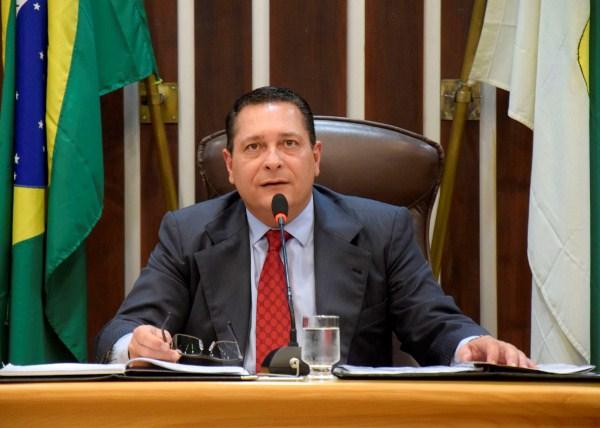 Ezequiel solicita perfuração de poços em vários municípios do interior do Estado
