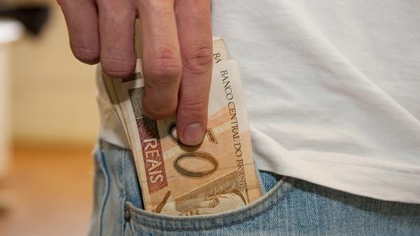 Governo paga funcionalismo amanhã (29) e quarta (30)