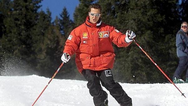 Schumacher está com menos de 45 quilos e consciência limitada, diz jornal